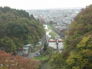 岩谷堂の街並と紅葉が素敵ですね (1900x1425)